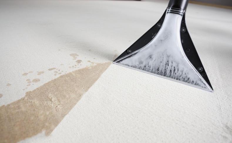Чистка ковра в домашних условиях содой и уксусом3