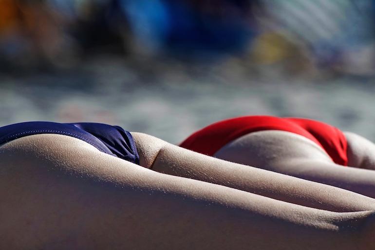 kak-izbavitsya-ot-vrosshix-volos-v-zone-bikini3